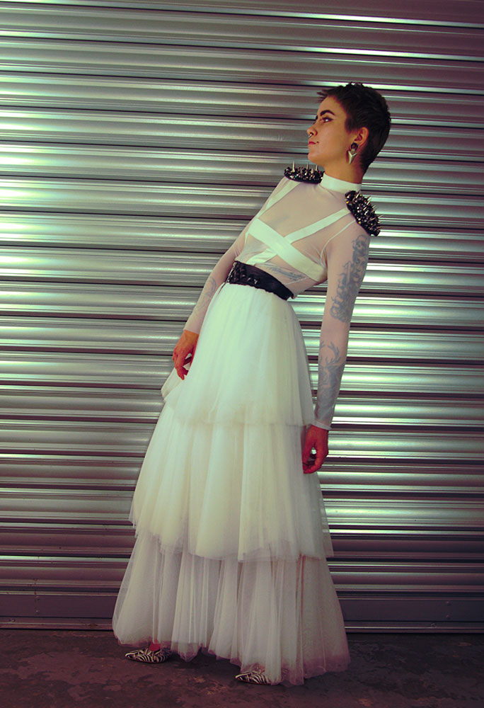 Modèle Girard - Crédit photo : Pauline Filipe (Instagram : @red.carmine67)
